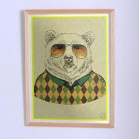 Оригинальный постер Медведь в свитере