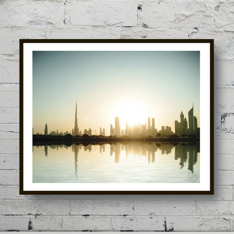 Poster The Dawn over the city