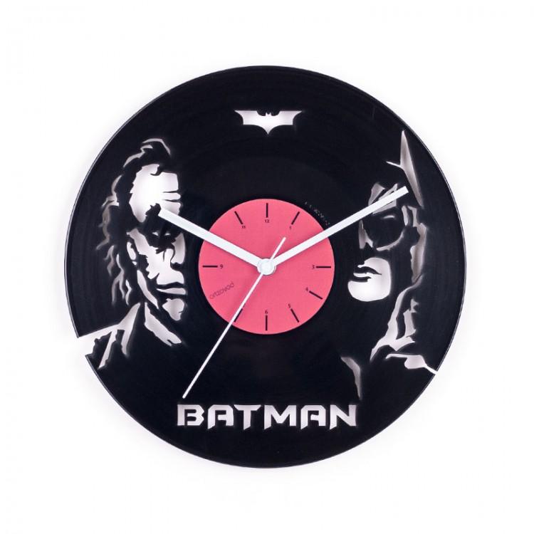 Виниловые часы Бэтмен и Джокер
