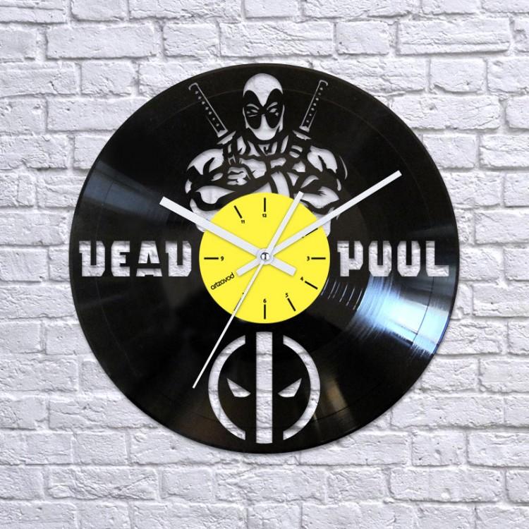 Vinyl clock Deadpool