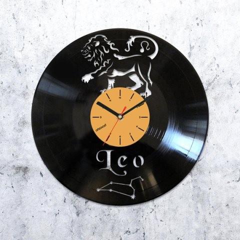 Виниловые часы Лев