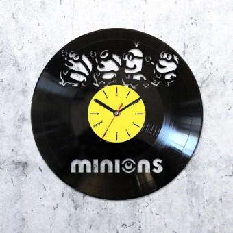 Виниловые часы Миньоны