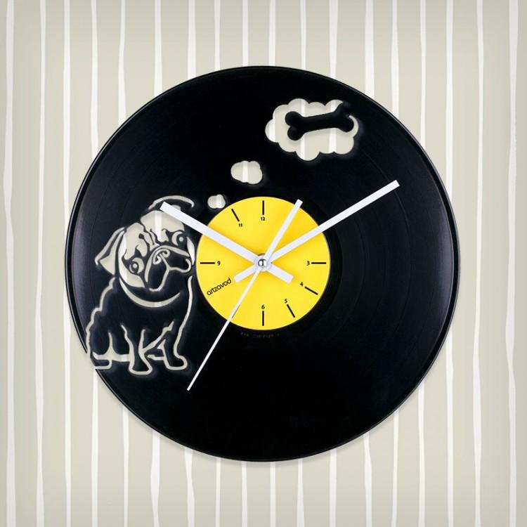 Виниловые часы Мопс